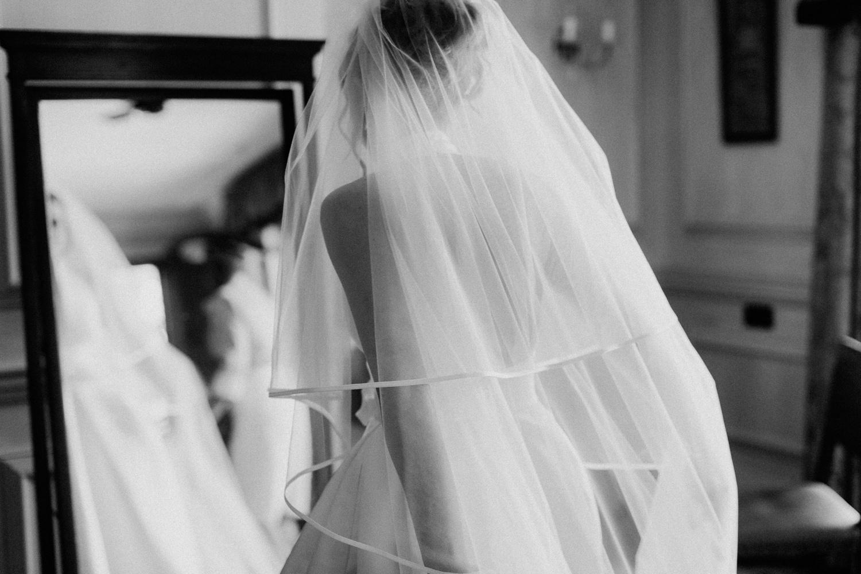 bride,hampshire wedding photographer,lainston house wedding,veil,