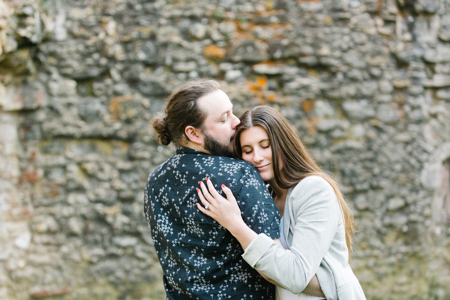 golden hour,hampshire wedding photographer,kiss,netley abbey,